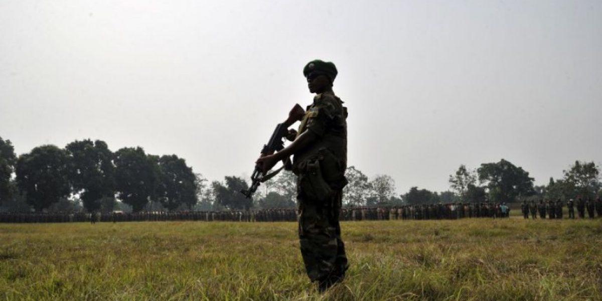 Fuertes imágenes del brutal linchamiento que sufrió un sujeto en Africa Central