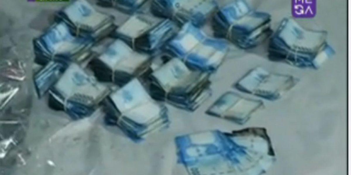 Sujetos abandonan 13 millones de pesos en la calle tras robo de cajero automático