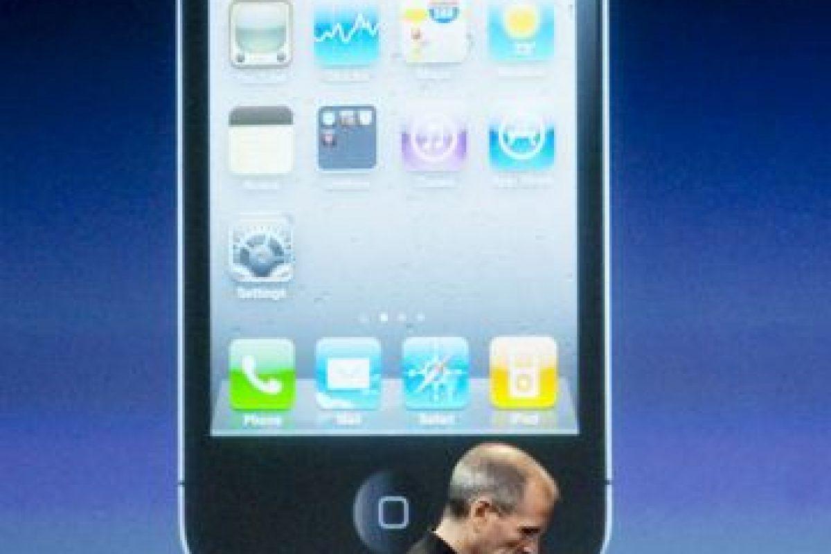 Steve Jobs presentando el iPhone 4. Foto:getty images. Imagen Por: