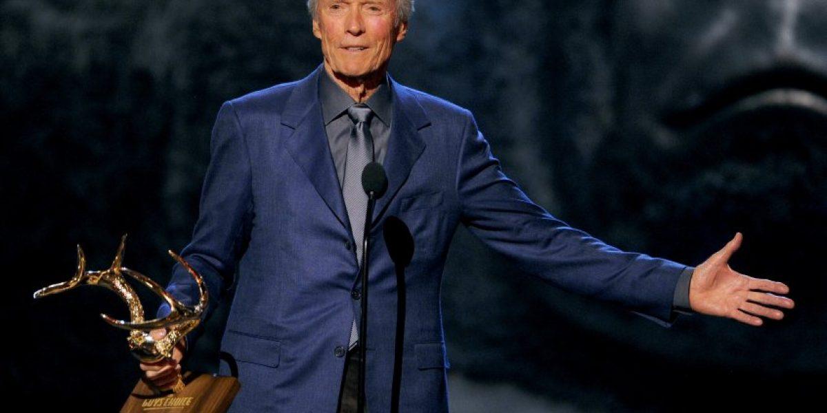 Clint Eastwood salva a un hombre de morir asfixiado en California