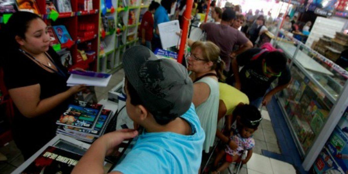 Galería: padres adelantan compras de útiles escolares