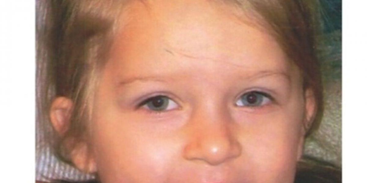 Culpan a pareja de matar a su hija tras obligarla a beber 2 litros de jugo de uva