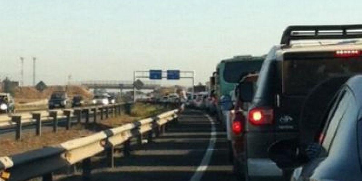 Colisión múltiple en Autopista del Sol originó gran congestión en la hora punta