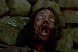 """El zombie de """"Exterminio"""" simplemente con su apariencia nos deja helados. Foto:Youtube image. Imagen Por:"""