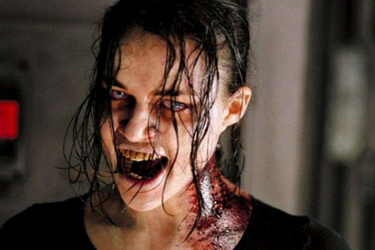 """En la película """"Resident Evil"""" nadie quería que Rain Ocampo (Michelle Rodríguez) se convirtiera. Foto:Youtube image. Imagen Por:"""