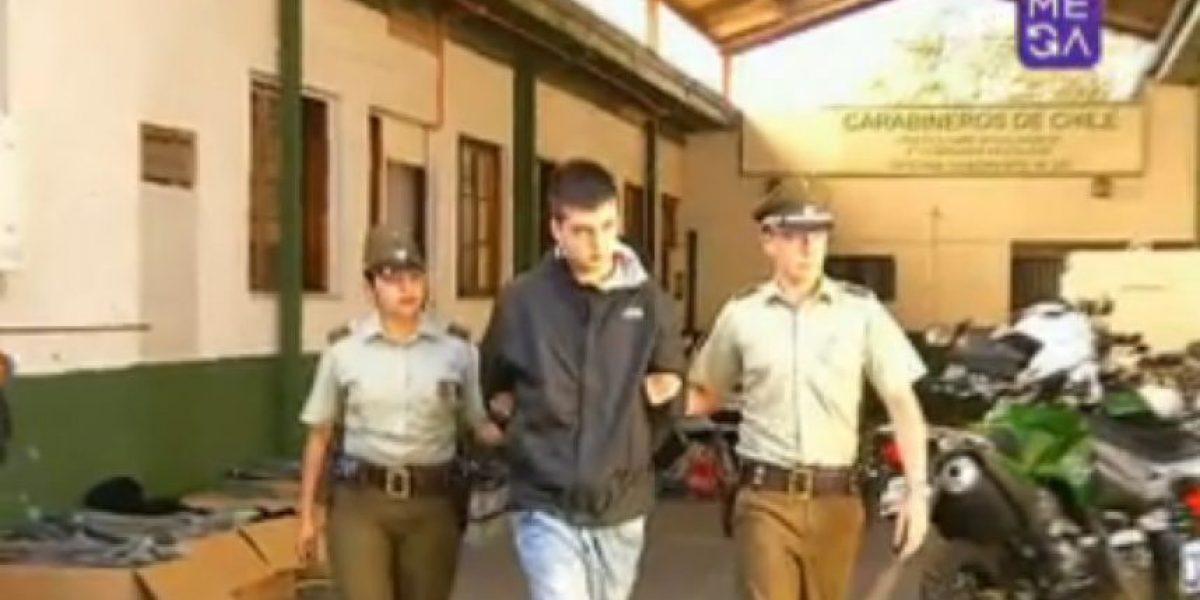 Detienen a sujeto mientras caminaba semidesnudo con una escopeta en Recoleta
