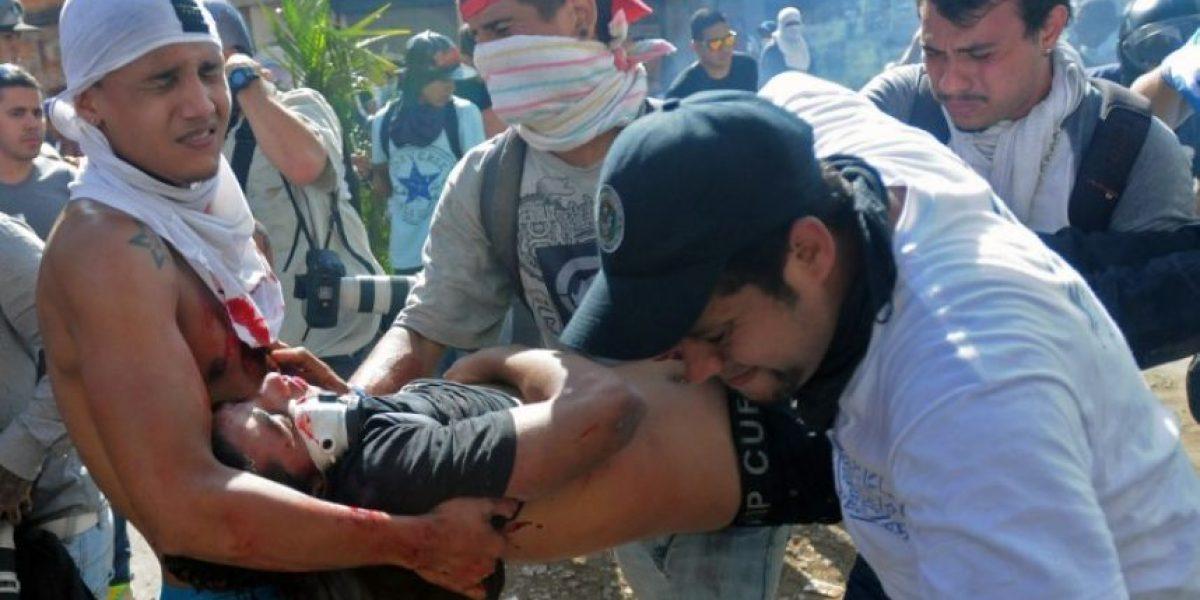 Venezuela: Conmoción por muerte de manifestante que cargó cuerpo de la primera víctima