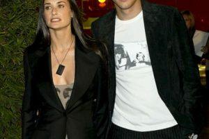 Demi Moore se divorció de Kutcher después de que surgieron rumores sobre los engaños del actor Foto:Getty Images. Imagen Por: