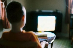 Los niños que ven TV son más agresivos Foto:Tumblr. Imagen Por: