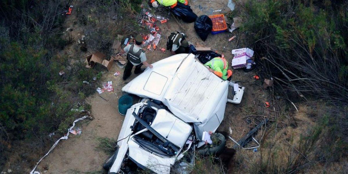 [FOTOS] Así terminó el auto que se desbarrancó en el viaducto Marga Marga: Conductor murió