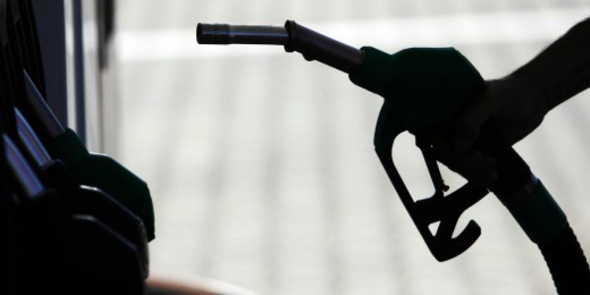 Durante el verano bencinas han subido en promedio $38