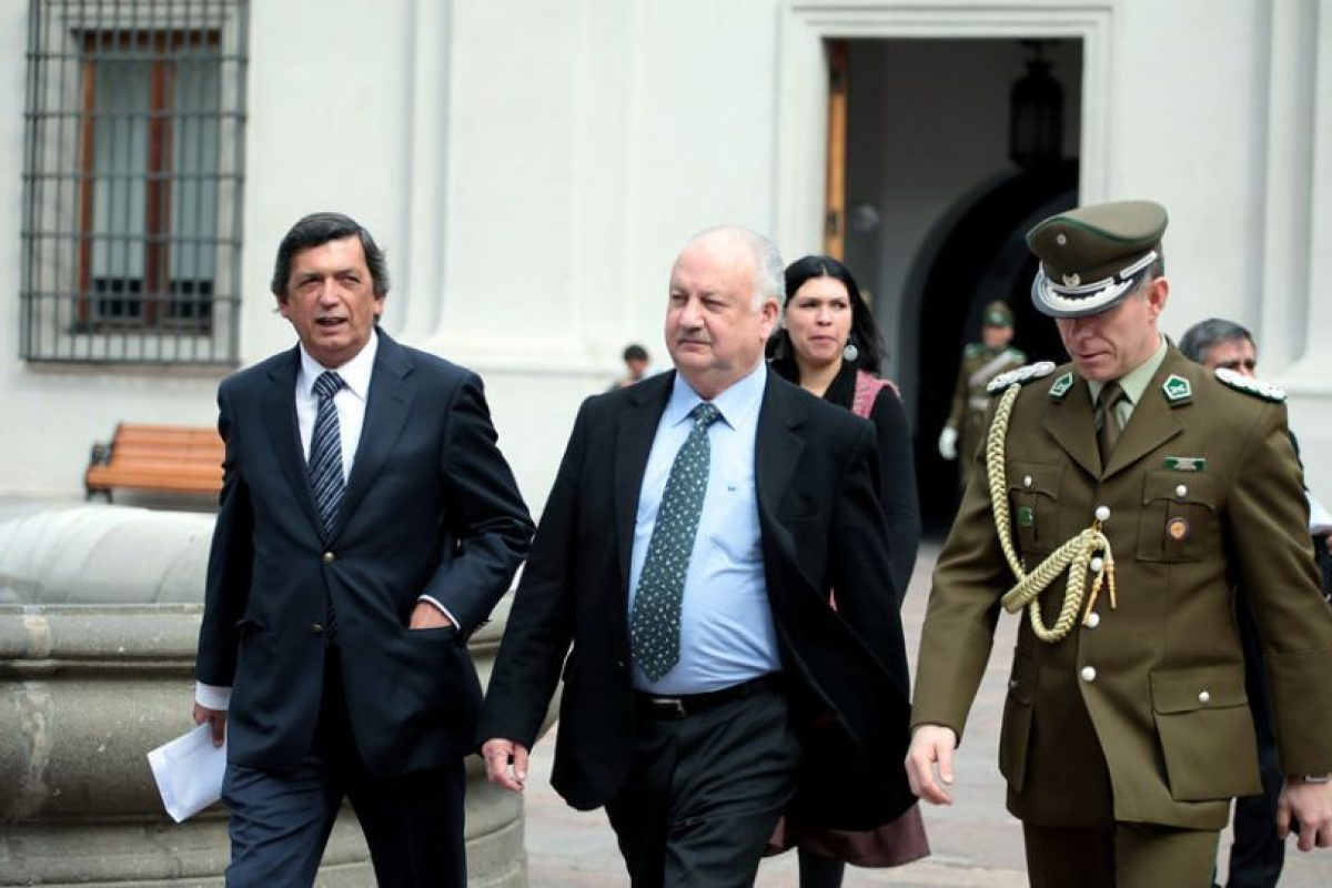 """Lautaro Carmona y Guillermo Tellier. Los diputados comunistas se alinearon con el gobierno de Nicolás Maduro, acusando una campaña de """"desestabilización"""" desde Estados Unidos. Imagen Por:"""