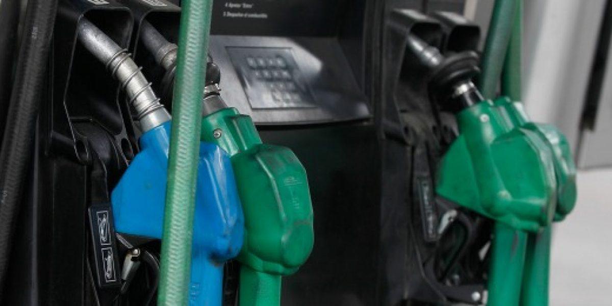 Cuarta semana consecutiva: precio de las bencinas sube hasta $16 por litro este jueves