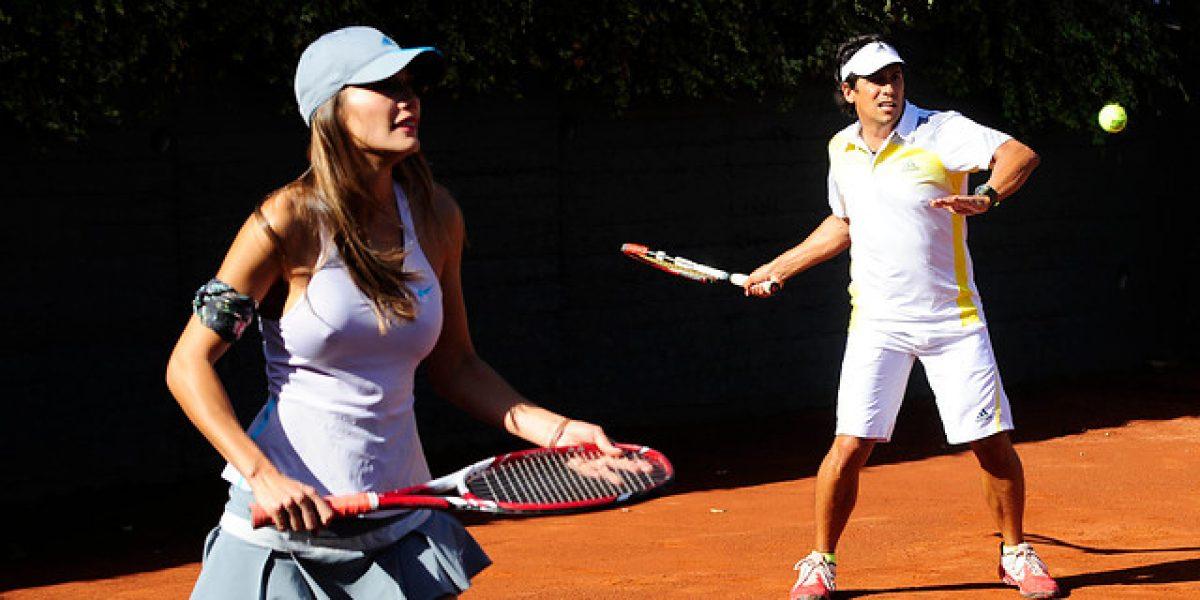 Los animadores del Festival jugaron un partido de tenis de exhibición con Nicolas Massú y Horacio De La Peña