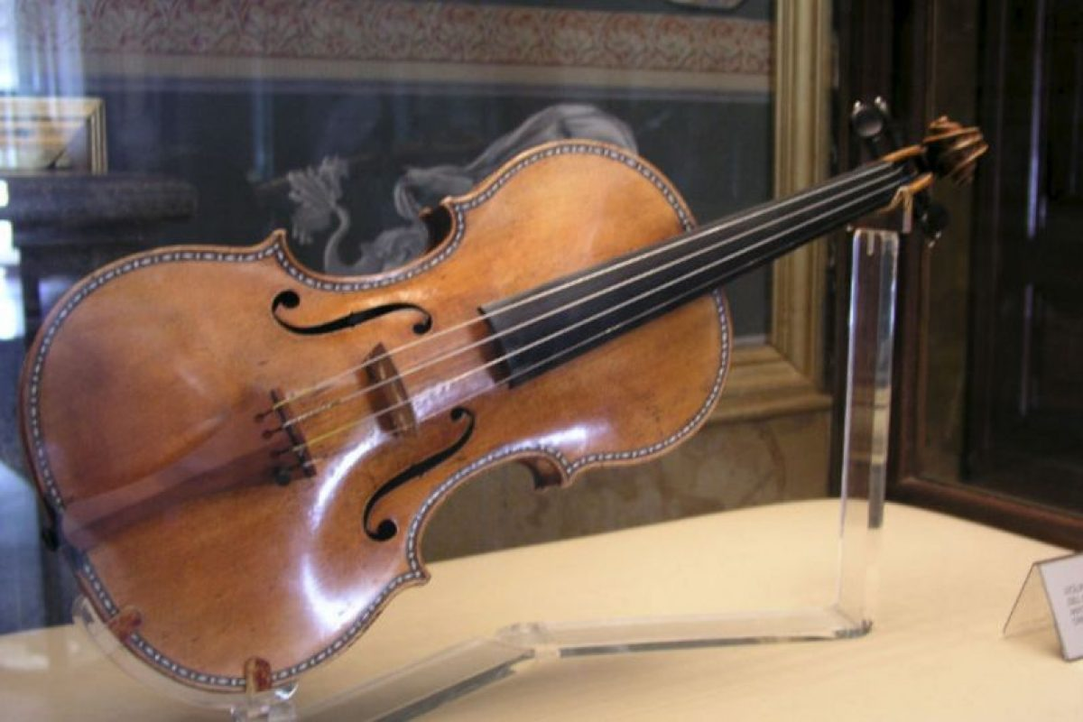 942 Violines Stradivarius (Lady Blunt) Foto:Wikipedai Commons. Imagen Por:
