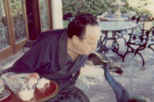 También le gusta interactuar con animales. Foto:Twitter. Imagen Por: