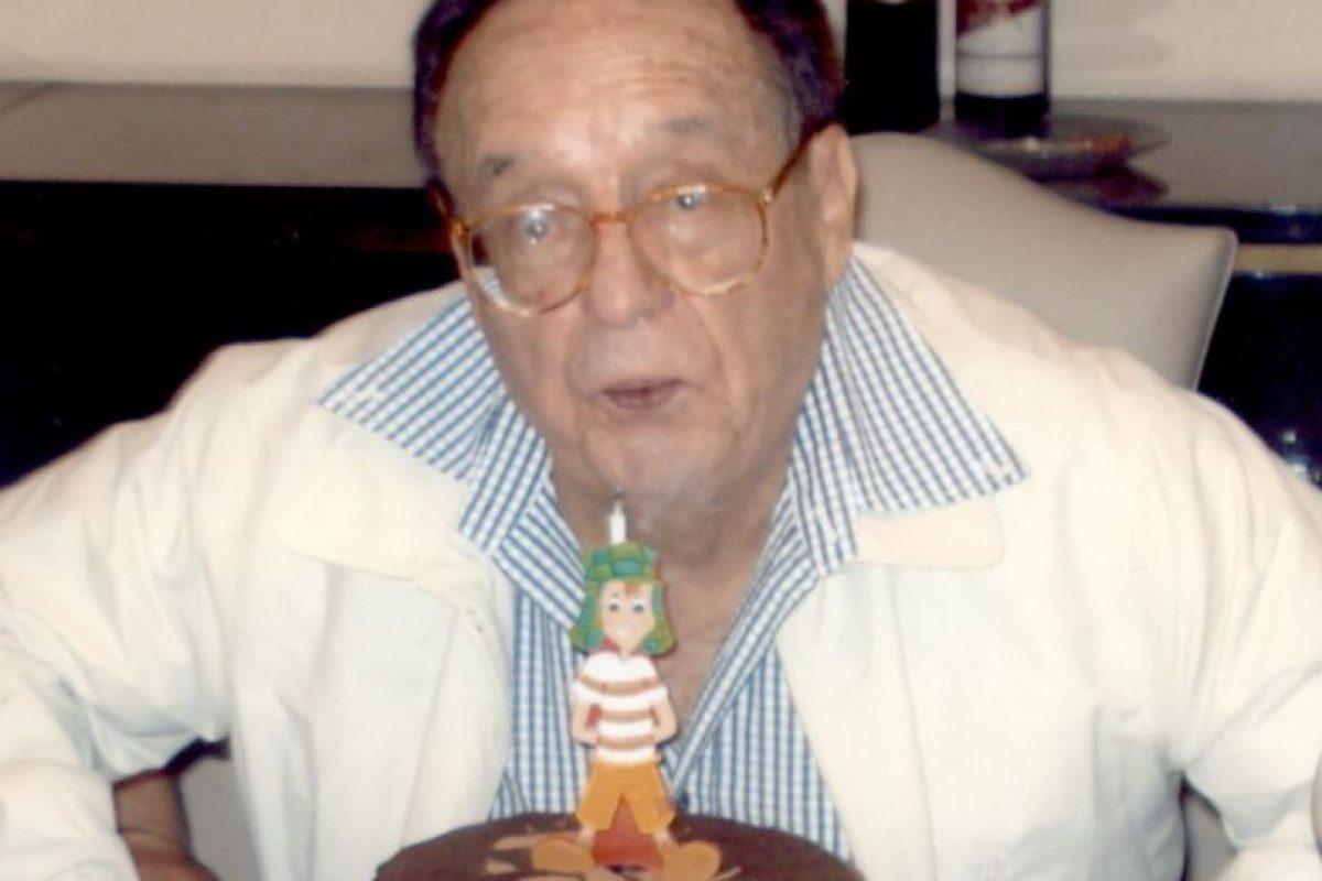 En la celebración de su cumpleaños 82. Foto:Twitter. Imagen Por: