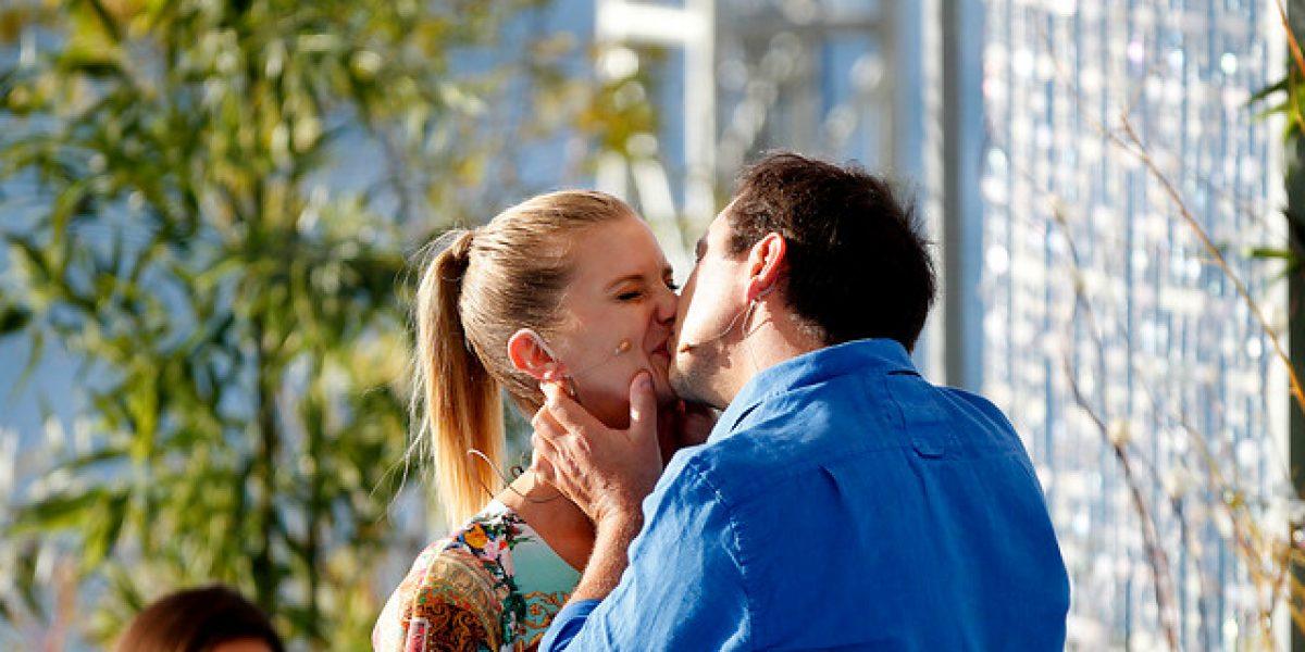 Javiera Acevedo y José Miguel Viñuela se dan flor de