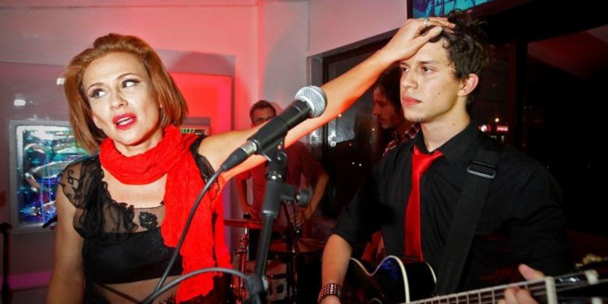 Video: El intenso show de Sigrid Alegría junto a Alonso Quinteros en Viña