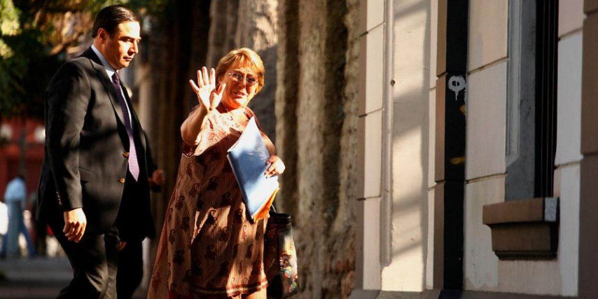 [FOTOS] Michelle Bachelet reaparece tras vacaciones a días de asumir la presidencia