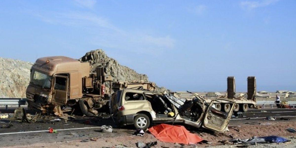 Imágenes del accidente que dejó tres adultos y dos niños sin vida en Ruta 1 de Iquique