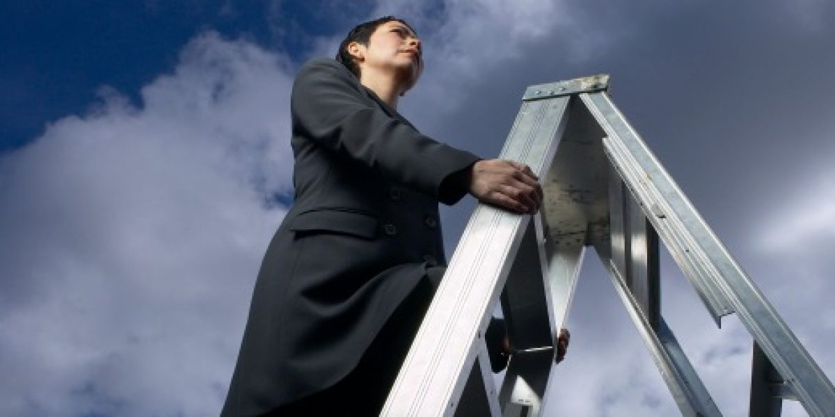 Estudio: aumenta número de mujeres en altos cargos de empresas