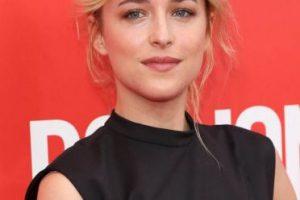Dakota Johnson, protagonista de la película de Cincuenta Sombras de Grey.. Imagen Por: