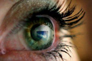 Los usuarios lo ocupaban en lugar de la página de Facebook. Foto:getty images. Imagen Por: