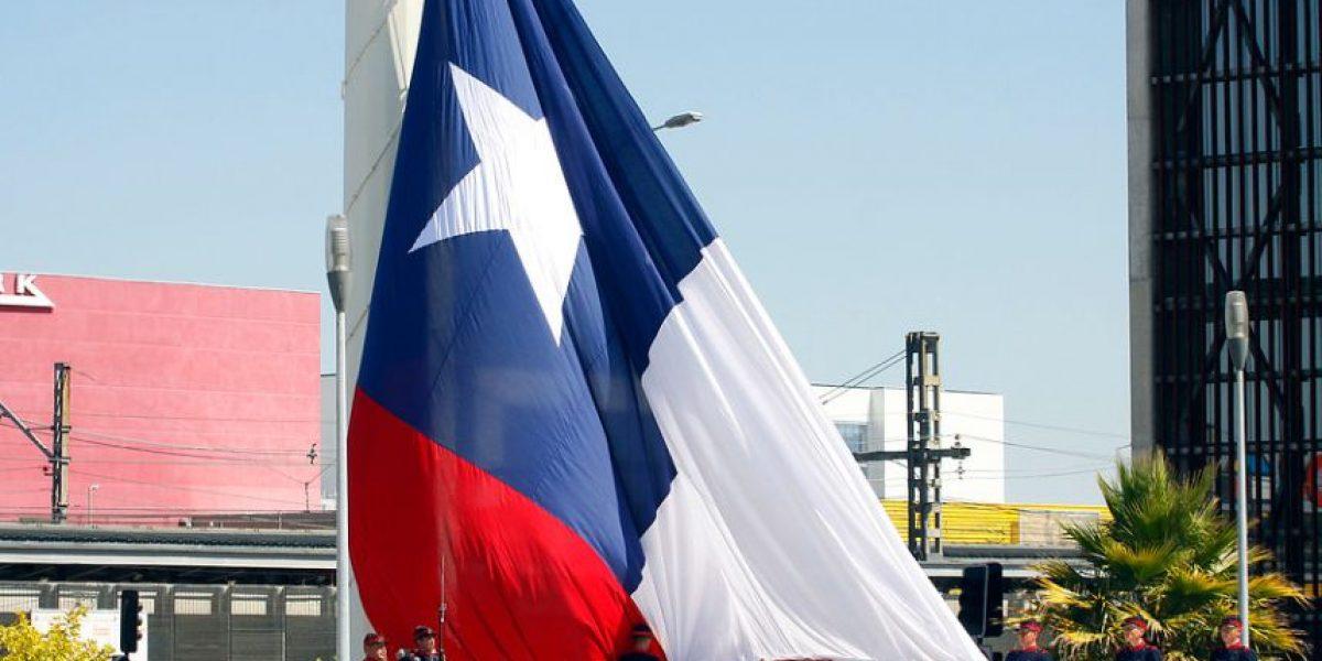 Presidente Piñera encabezó ceremonia de izamiento de Bandera Bicentenario en Concepción