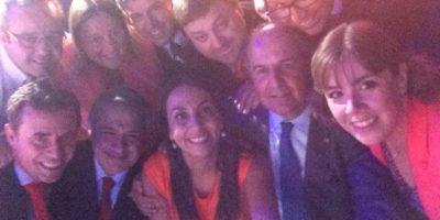 """[FOTOS] Vocera Cecilia Pérez emula a los Oscar y publica una """"selfie ministerial"""""""