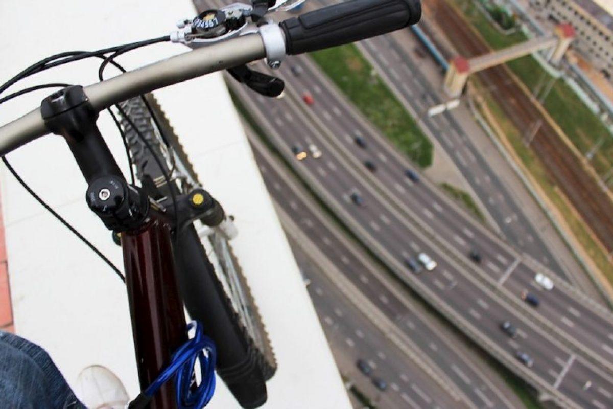La bicicleta en la cima. Foto:Kirill Oreshkin. Imagen Por: