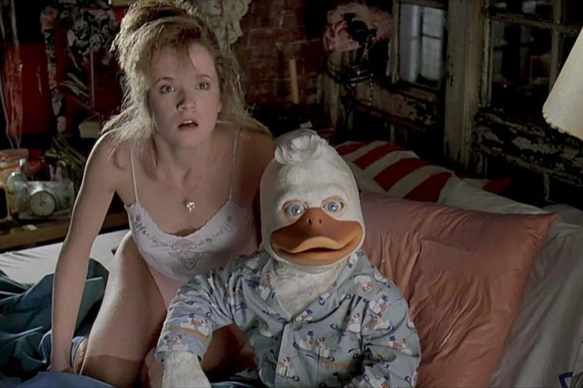 4. Lea Thompson y el pato en 'Howard, el pato'. Foto: LucasFilm. Imagen Por: