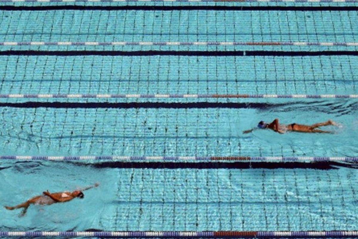 Estudio no orinen en la piscina es muy da ino for Desnudas en la piscina