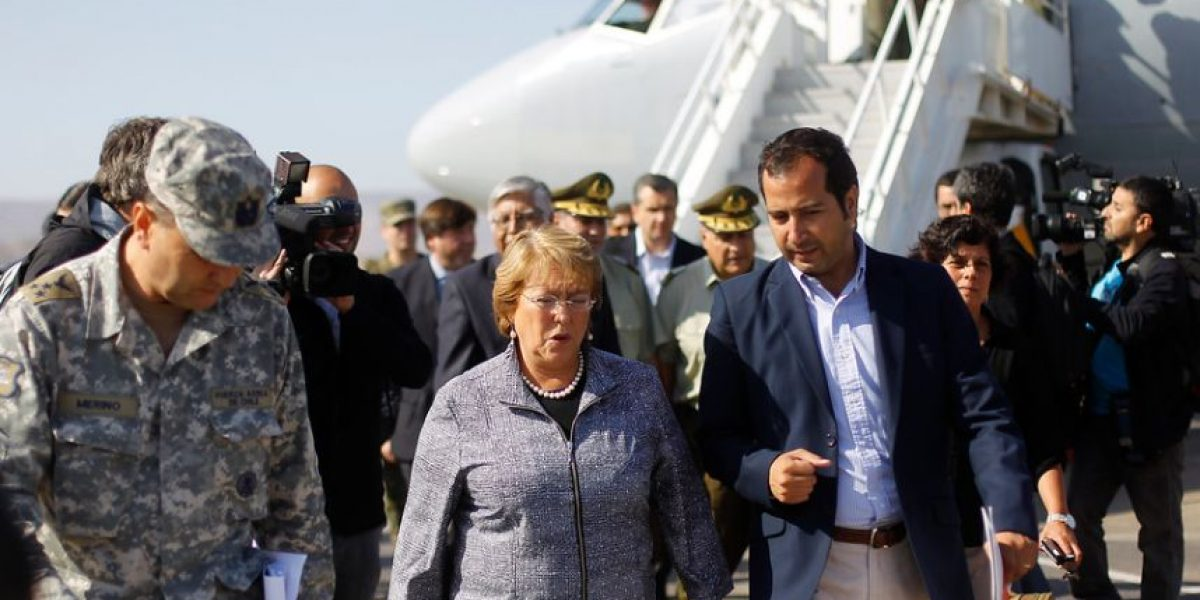 (FOTOS) Presidenta Bachelet evalúa daños ocasionados por el terremoto en Iquique