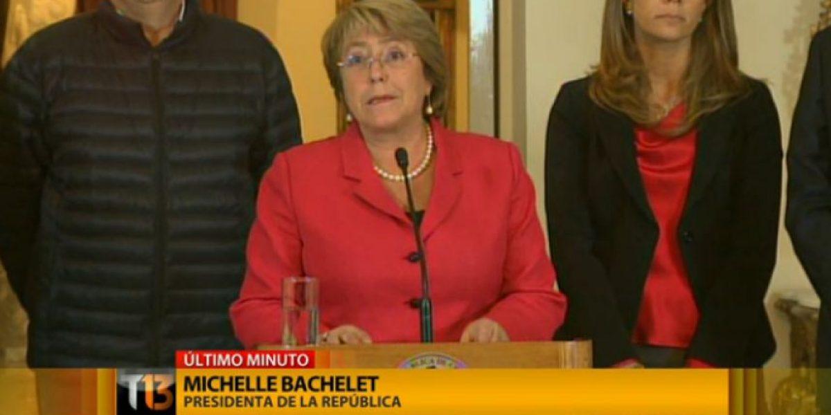 Bachelet viajará a las regiones afectadas por el terremoto y decreta