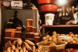 Tanto frutas y verduras son buenas, siempre y cuando se consuman en su modo natural, no en jugos ni enlatados. Foto:Tumblr. Imagen Por: