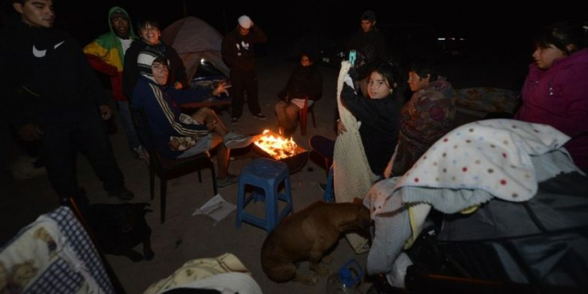 Miles de personas pasan segunda noche evacuados por fuerte réplica de terremoto