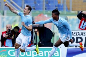 Reconoció que había anotado un gol con la mano e hizo que el árbitro lo anulara Foto:Getty Images. Imagen Por: