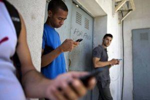 EU planeaba usar una red social llamada ZunZune para propagar mensajes en contra del gobierno Foto:AP. Imagen Por: