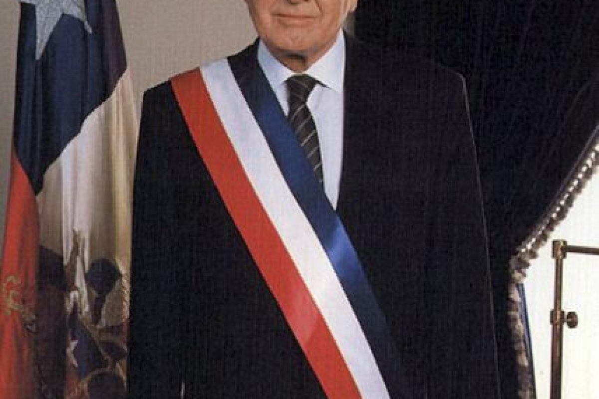 El día de hoy el ex presidente chileno, Patricio Awylin, también fue dado por muerto Foto:Wikipedia. Imagen Por: