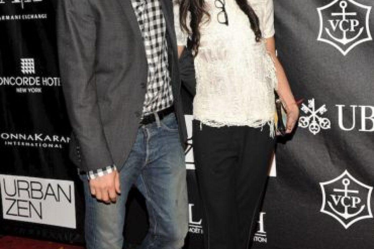 Demi Moore, de 51 años, estuvo casada con el actor Ashton Kutcher, de 34 años. La pareja se separó en 2013 y ahora Kutcher espera un hijo con la actriz Mila Kunis, cuatro años menor que él. Foto:Getty. Imagen Por: