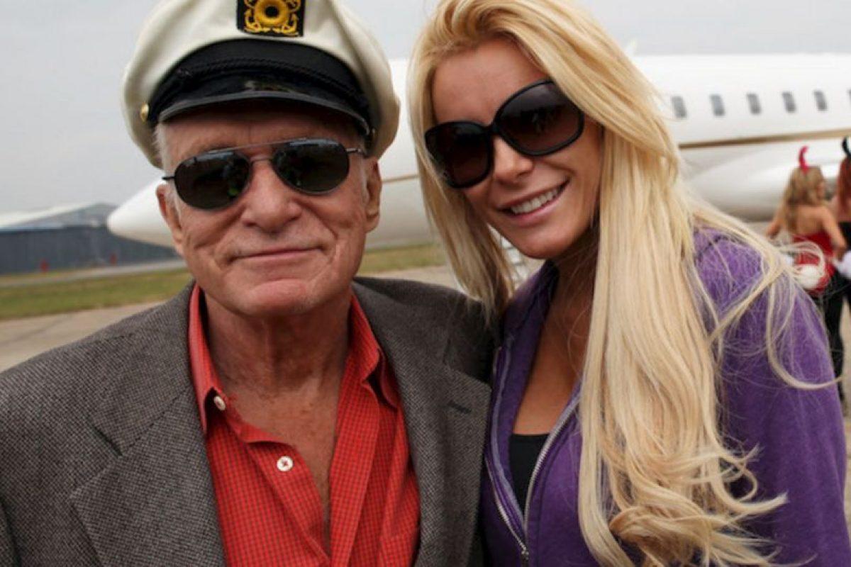 Hugh Hefner es el playboy por excelencia, tiene 87 años y ha estado casado en tres ocasiones. Actualmente es es esposo de Crystal Harris, de 27 años. Foto:Getty. Imagen Por: