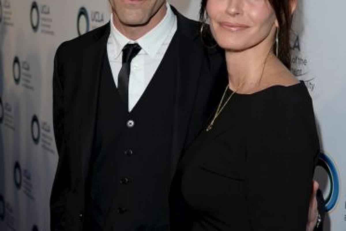 Después de divorciarse de David Arquette en 2013, la actriz de Friends, Courteney Cox, de 49 años, comenzó una relación con el miembro de Snow Patrol, Johnny McDaid, de 37 años. Foto:Getty. Imagen Por:
