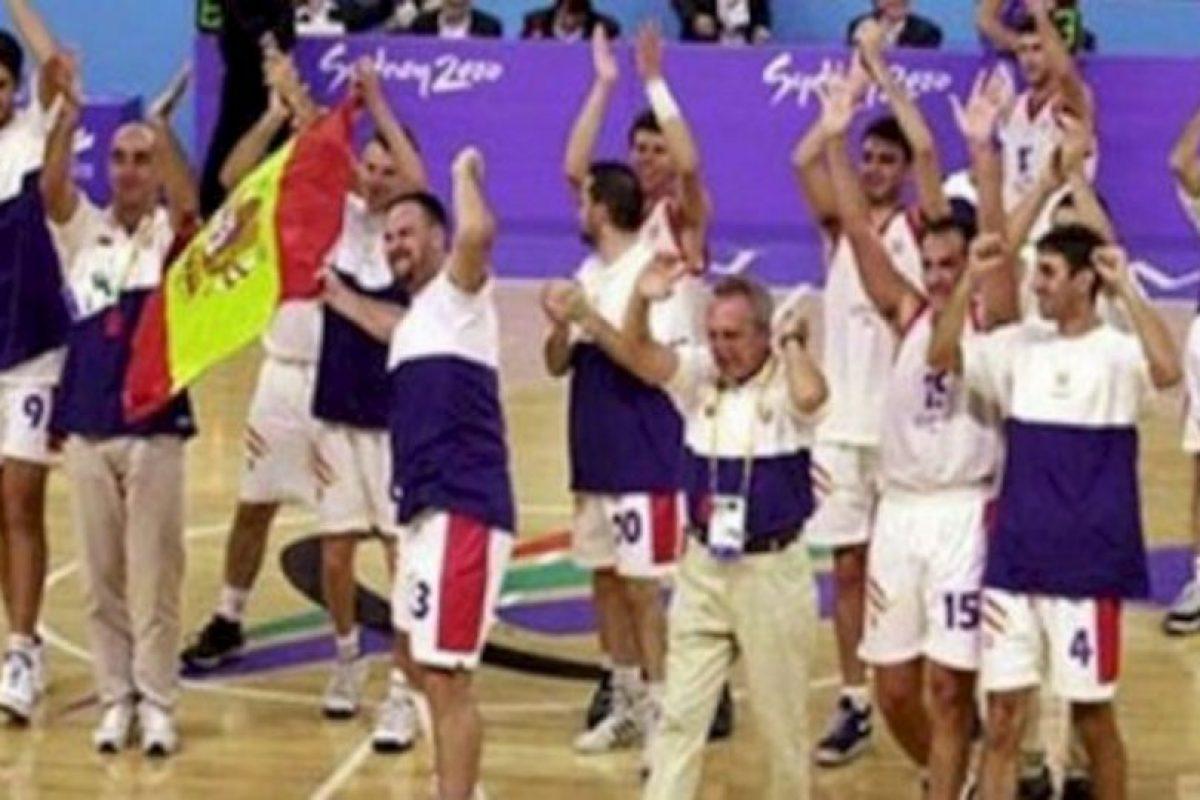 El combinado ibérico ganó el metal dorado en los Paralímpicos de Sídney 2000, pero fue obligado a regresar las medallas al descubrirse que la mayoría de sus jugadores no padecían de sus facultades mentales. Foto:Twitter. Imagen Por: