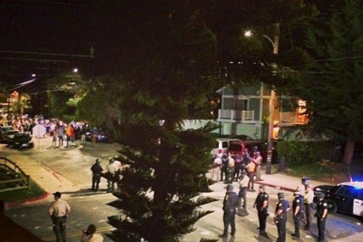 Así describió la noche del sábado en Isla Vista, Christine Bragg Foto:Instagram. Imagen Por: