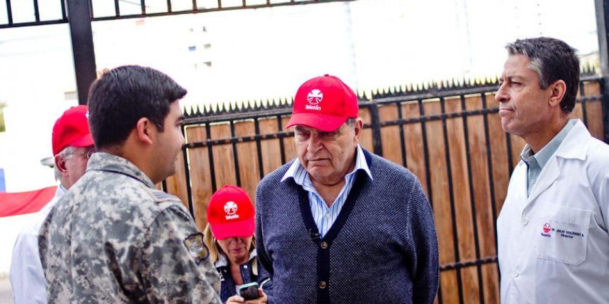 Don Francisco y médicos visitan en Alto Hospicio a niños de Teletón damnificados