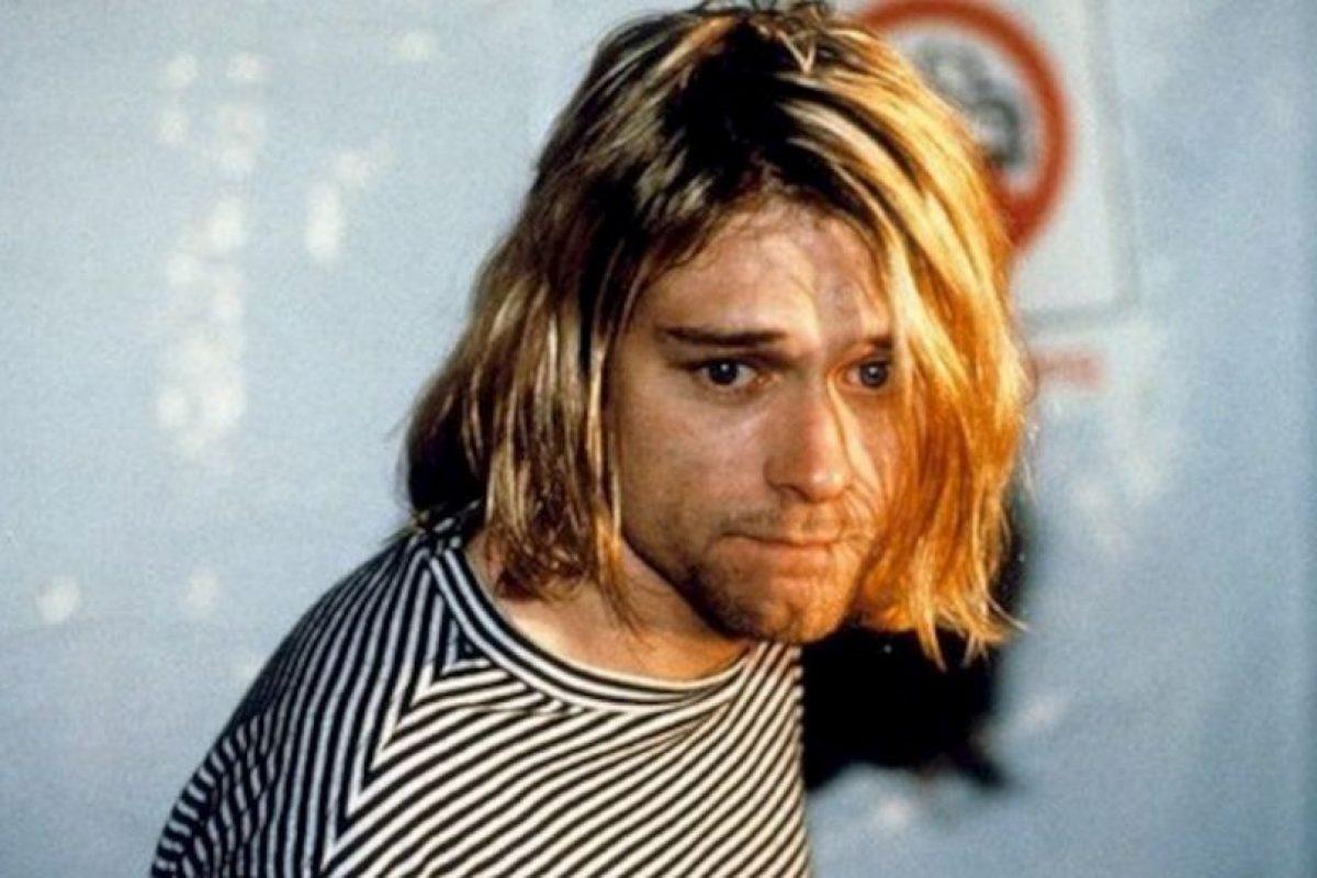 2.- In bloom. Esta canción esta inspirada en la confusión sexual de Cobain. El declaró en una ocasión que se sintió inseguro en cuanto a su sexualidad hasta una edad considerable por que no se ajustaba al estereotipo del típico atleta. Foto:Tumbrl. Imagen Por: