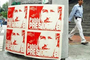 Propaganda de Pablo Escobar cuando tenía intención de ser presidente de Colombia Foto:Wikipedia. Imagen Por:
