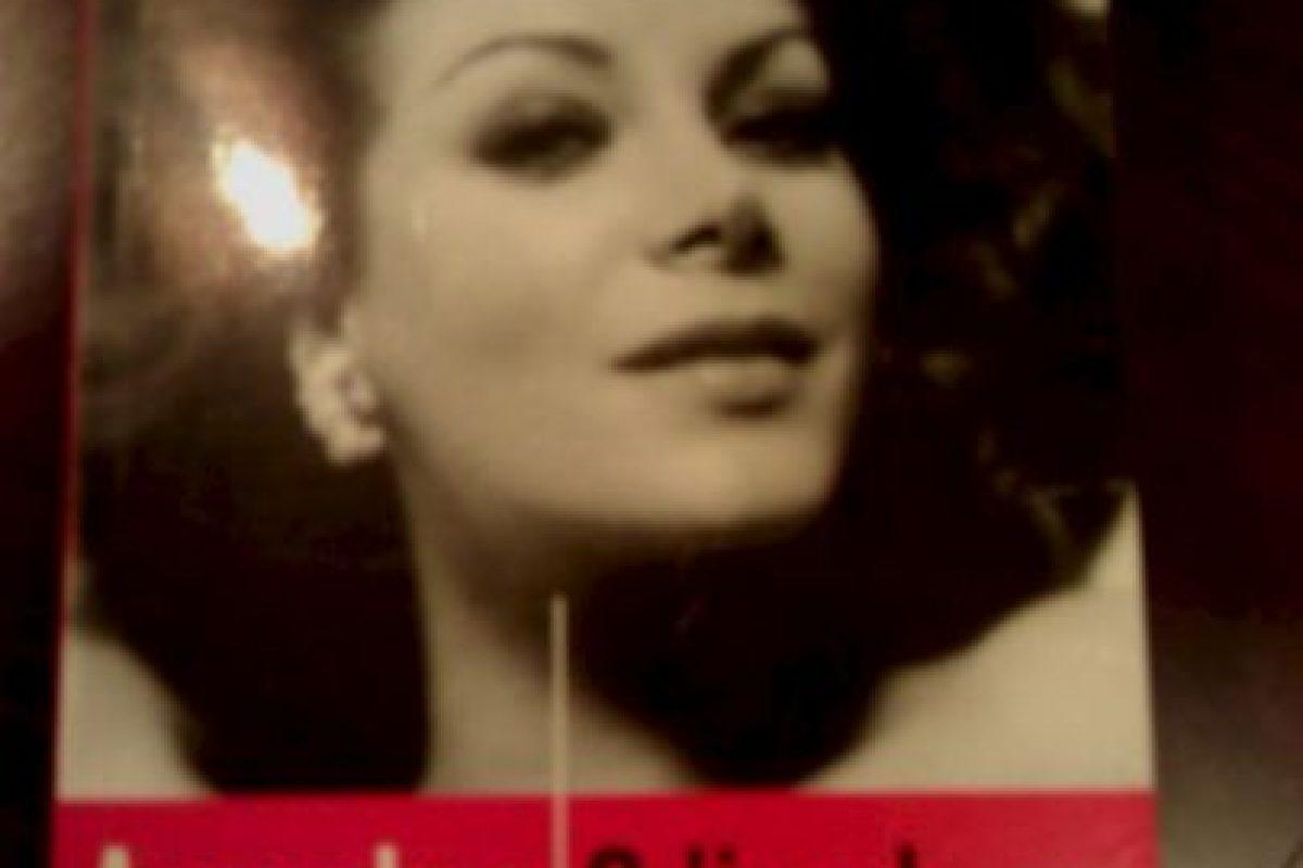 Portada del libro que la periodista Virginia Vallejo escribiera sobre su relación de cinco años con el capo. Foto:Wikipedia. Imagen Por: