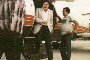 El narcotraficante descendiendo de un jet privado. Foto:Tumbrl. Imagen Por: